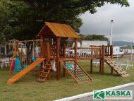 Playground em Madeira - Eucalipto Tratado - Ref. 98